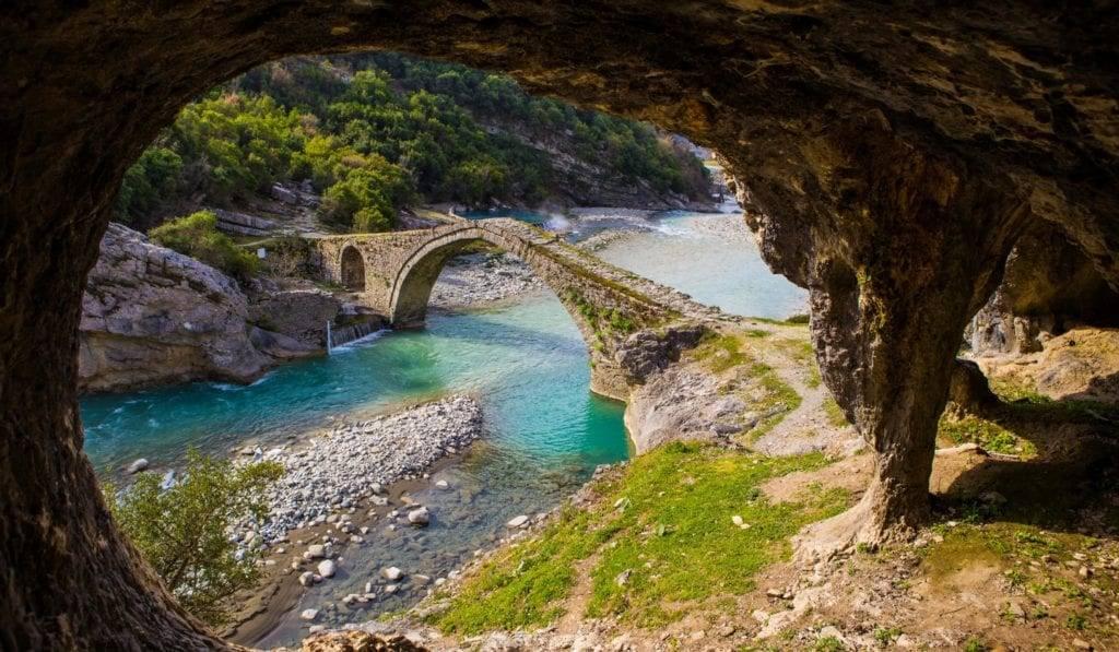 Индивидуальная экскурсия в Албанию из Черногории