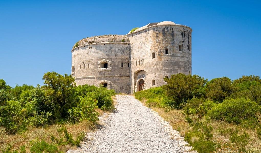 Боко-Которская бухта Экскурсии по Черногории Арза крепость