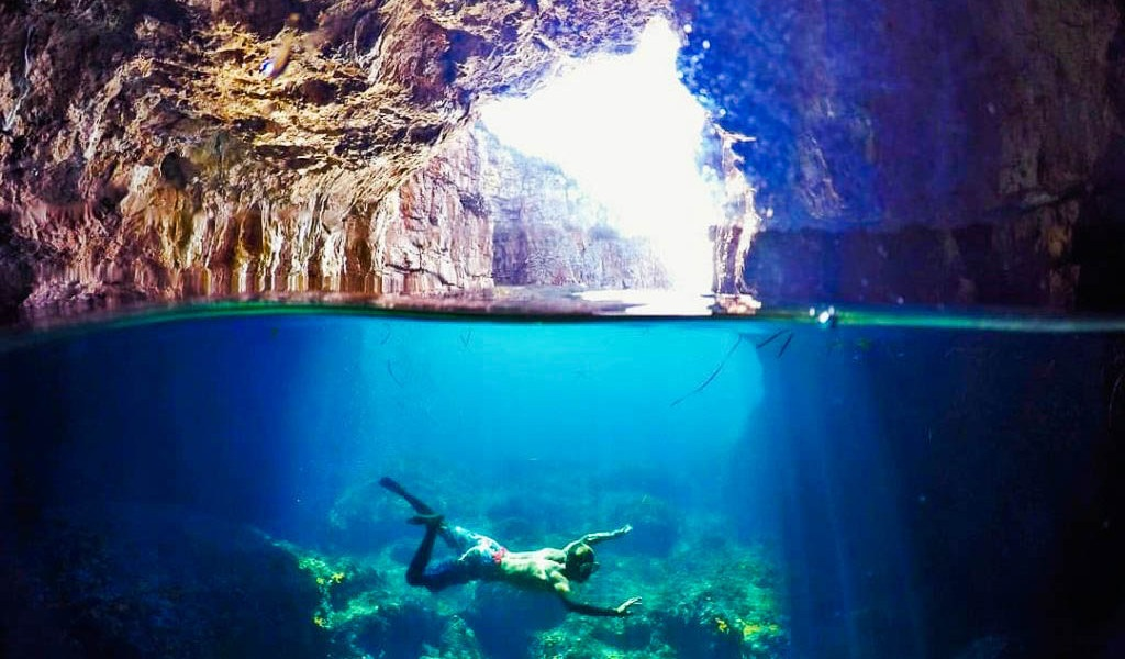 Боко-Которская бухта экскурсии Черногория Голубая пещера1-1